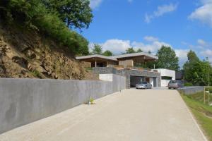 CONSTRUCTION D'UNE HABITATION ET BUREAUX